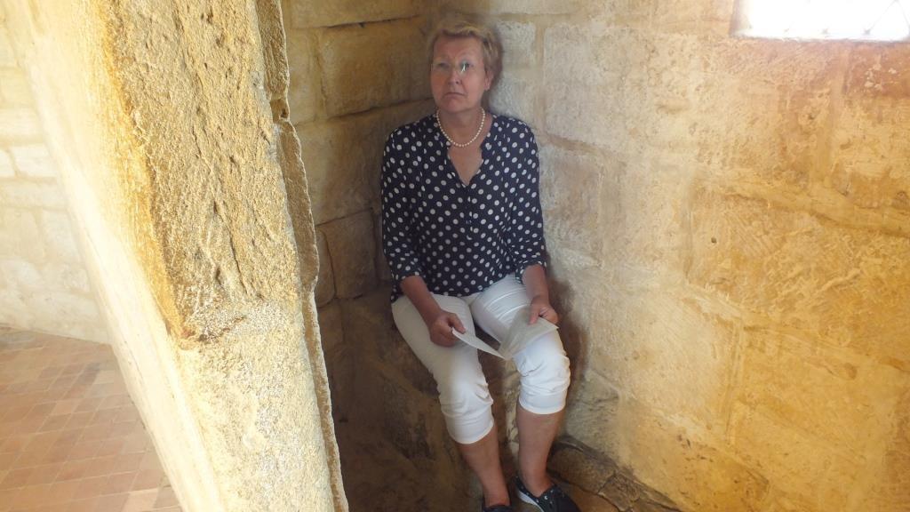 Mittelalterliche Toiletten sind nicht bequem