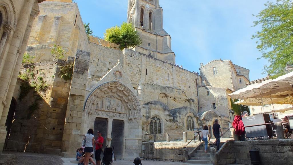 """Die """"Monolith"""" Kirche wurde aus einem Felsen geschlagen"""