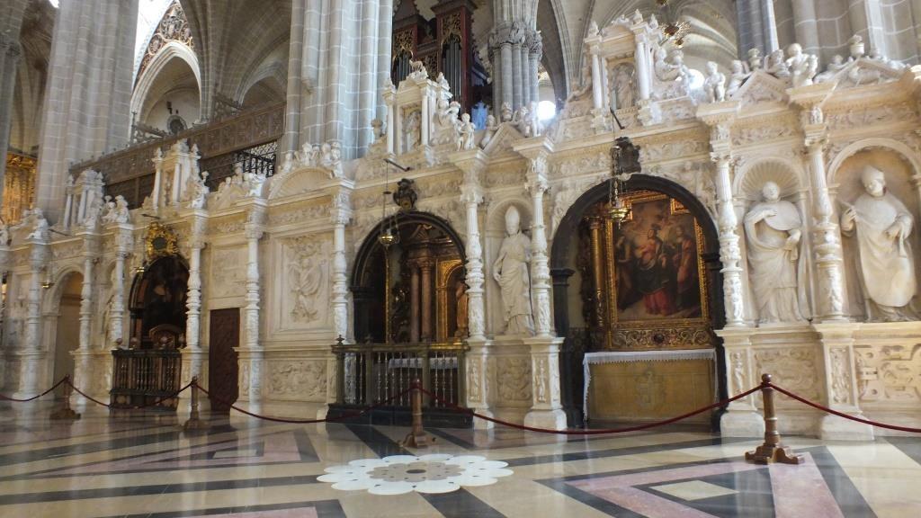 Der Chor mitten in der Kathedrale