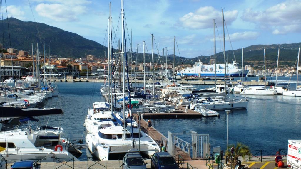Der Hafen von Ajaccio