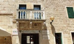 Der Balkon eines Pallazzos