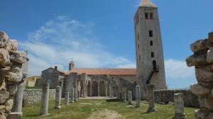 Die Ruinen eines mittelalterlichen Klosters