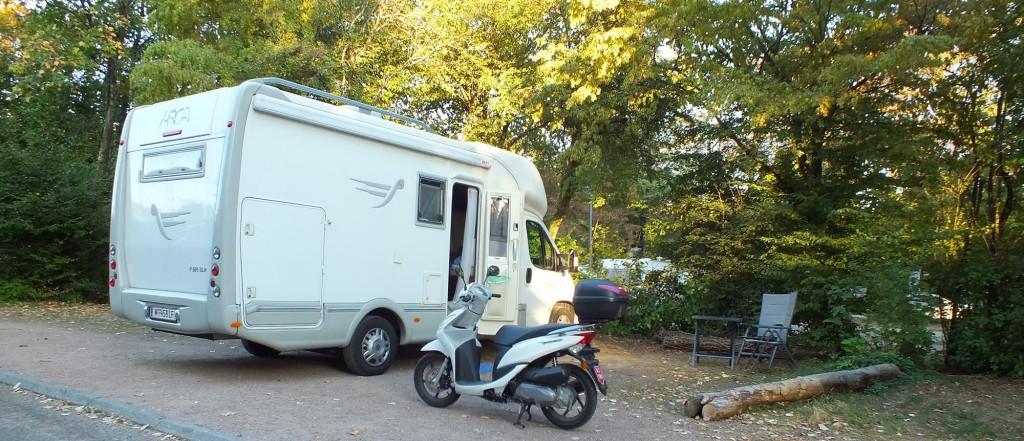 Unser Arca am Campingplatz in Lyon